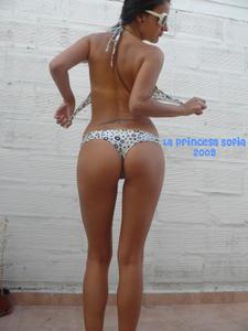 Sofi te muestra su groso culo - Chica Argentina + video