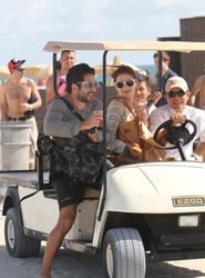 http://img140.imagevenue.com/loc459/th_531278627_Mischa_Barton_Bikini_Candids_on_the_Beach_in_Miami_December_27_2011_248_122_459lo.jpg