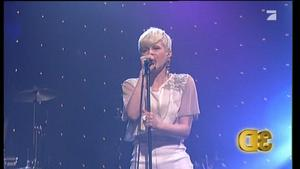 Robyn - Hang With Me (Tv Total Sep. 2. 2010)