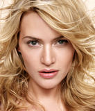 Kate Winslet Looking Really Pretty!!!