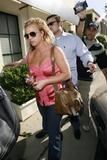 th_00905_brit009sandino_122_764lo - Britney Spears va mieux, son décolleté aussi