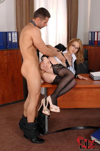 Секс фото секретарши
